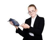 Ragazza in un vestito, e-carta di offerte da pagare gli acquisti Immagine Stock