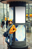 Ragazza in una città Fotografia Stock Libera da Diritti