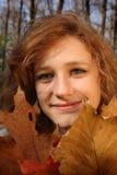 Ragazza in una foresta immagini stock libere da diritti