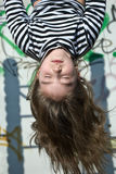 Ragazza upside-down Fotografia Stock
