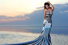 Ragazza in vestito meraviglioso immagini stock libere da diritti