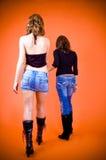 Ragazze che camminano via Immagini Stock Libere da Diritti