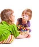 Ragazze con le caramelle Fotografia Stock Libera da Diritti