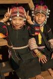 Ragazze dal gruppo etnico di Akha in vestiti tradizionali Fotografia Stock Libera da Diritti