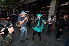 Ragazze di cosplay del tiro del fotografo Fotografia Stock