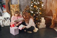 Ragazze e Natale fotografie stock libere da diritti