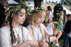 Ragazze sulla festa di metà dell'estate Fotografia Stock Libera da Diritti