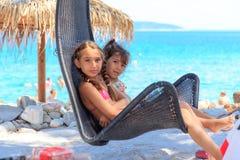 Ragazze sulla spiaggia Fotografie Stock