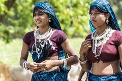 Ragazze tribali in ornamenti Fotografia Stock