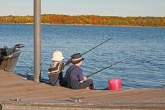Ragazzi che pescano in autunno Immagine Stock Libera da Diritti