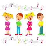 Ragazzi e ragazze che cantano Immagine Stock Libera da Diritti