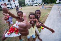 ragazzi e ragazze felici Immagini Stock Libere da Diritti