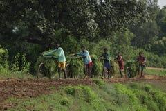Ragazzi tribali nel lavoro Immagine Stock Libera da Diritti