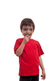 Ragazzino che gioca con la lente su fondo bianco Fotografia Stock Libera da Diritti