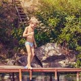 Ragazzino sulle vacanze estive Fotografia Stock