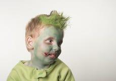Ragazzino vestito come zombie su Halloween Fotografia Stock
