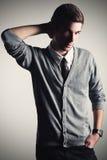 Ragazzo bello in maglia con il legame Fotografia Stock Libera da Diritti