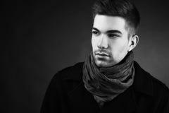 Ragazzo bello in rivestimento con la sciarpa Immagine Stock Libera da Diritti