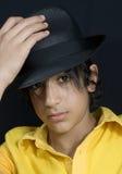 Ragazzo con il cappello nero Fotografia Stock Libera da Diritti