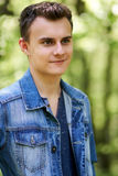 Ragazzo dell'adolescente all'aperto Fotografie Stock