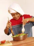 Ragazzo dell'insalata. immagini stock