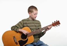 Ragazzo della chitarra fotografie stock libere da diritti