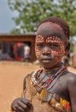 Ragazzo della tribù di Hamar giovane, valle di Omo, Etiopia fotografie stock libere da diritti