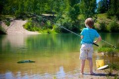 Ragazzo di pesca fotografia stock libera da diritti