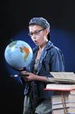 Ragazzo e globo Fotografie Stock Libere da Diritti