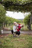 Ragazzo e madre felici fotografia stock