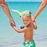 Ragazzo felice sulla spiaggia Immagine Stock
