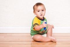Ragazzo multiculturale felice del bambino fotografie stock libere da diritti