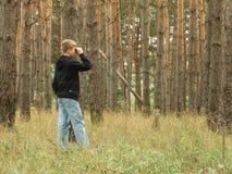 Ragazzo nella foresta Fotografia Stock Libera da Diritti