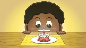 Ragazzo nero che esamina Mini Birthday Cake Fotografia Stock