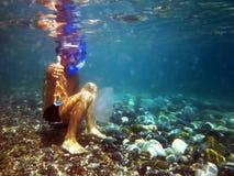 Ragazzo sotto acqua Fotografia Stock