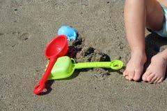 Ragazzo sulla spiaggia Fotografie Stock