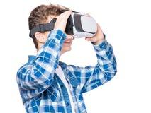 Ragazzo teenager in vetri di VR Immagine Stock Libera da Diritti