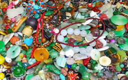 Ragbag de la joyería en un mercado callejero en Hong Kong Imágenes de archivo libres de regalías