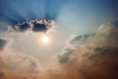 Raggi del sole e della nuvola Immagine Stock Libera da Diritti