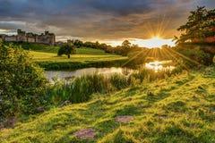 Raggi di sole sopra il fiume Aln a Alnwick Fotografia Stock Libera da Diritti