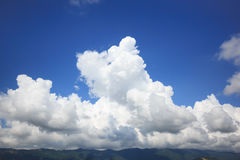 Raggi di Sun in cielo blu Immagine Stock Libera da Diritti