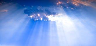 Raggi di Sun del cielo Fotografia Stock