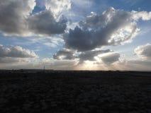 Raggi e nuvole di Sun Fotografia Stock Libera da Diritti