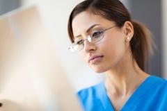 Raggi X medici dell'operaio fotografia stock