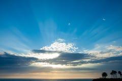 Raggio luminoso attraverso la nube Fotografia Stock Libera da Diritti