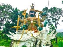 Ragman-Statue, der Charakter in der thailändischen Literatur, das schönste und das grausam lizenzfreies stockfoto