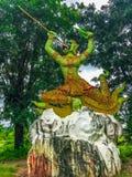 Ragman-Statue, der Charakter in der thailändischen Literatur, das schönste und das grausam stockfotos