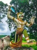 Ragman-Statue, der Charakter in der thailändischen Literatur, das schönste und das grausam stockfotografie