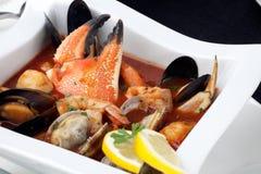 Ragoût de fruits de mer avec la griffe de crabe Photo libre de droits