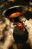 Ragoût de poissons faisant cuire dans le bac Photos stock